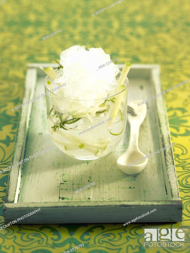 Imagen: Gin tonic dulce con manzana y menta. / Sweet gin and tonic with apple and mint.