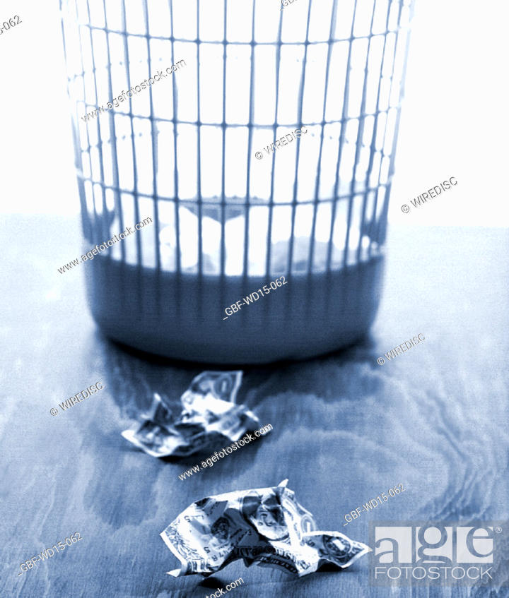 Stock Photo: Businesses Concepts II, basket, garbage, Brazil.