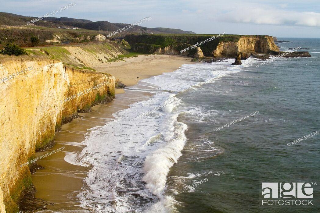 Stock Photo: Davenport Beach, Pacific Ocean, California, USA.