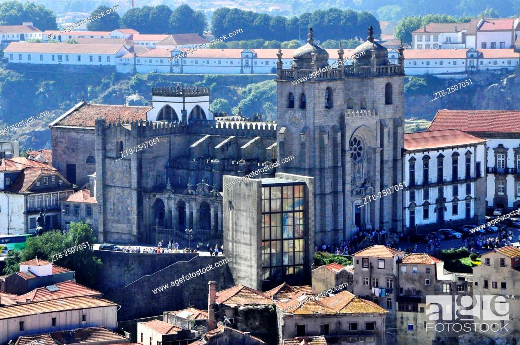 Imagen: Porto Cathedral (Sé do Porto), one of the main monuments of the city. It is located in the historic city center, in the upper district of Batalha.