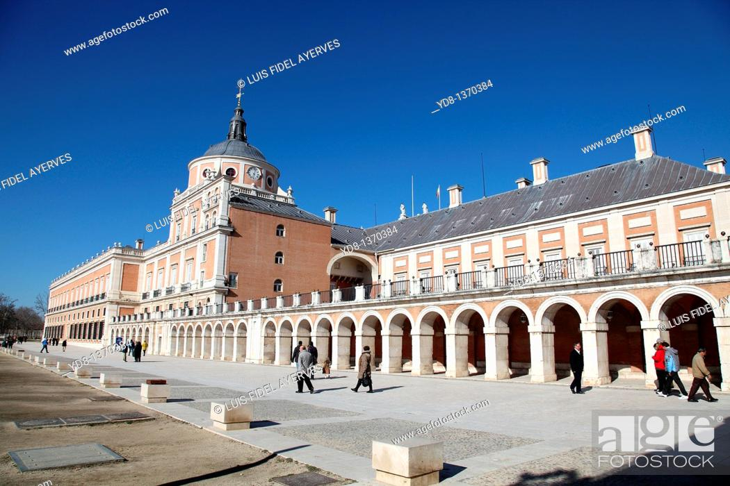 Stock Photo: Panoramic side view of the Palacio Real de Aranjuez, Madrid, Spain.