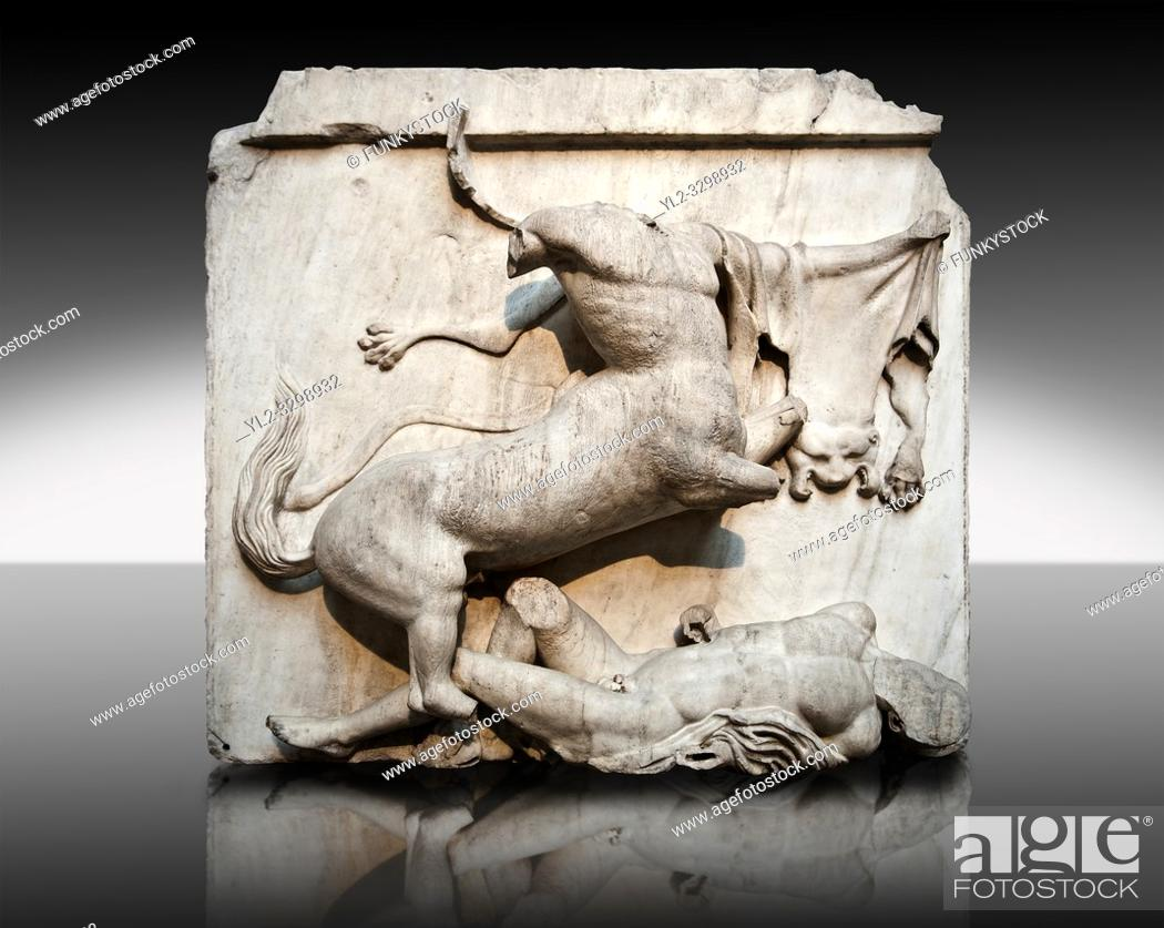 Imagen: Sculpture of Lapiths and Centaurs battling from the Metope of the Parthenon on the Acropolis of Athens no XXVIII. Also known as the Elgin marbles.