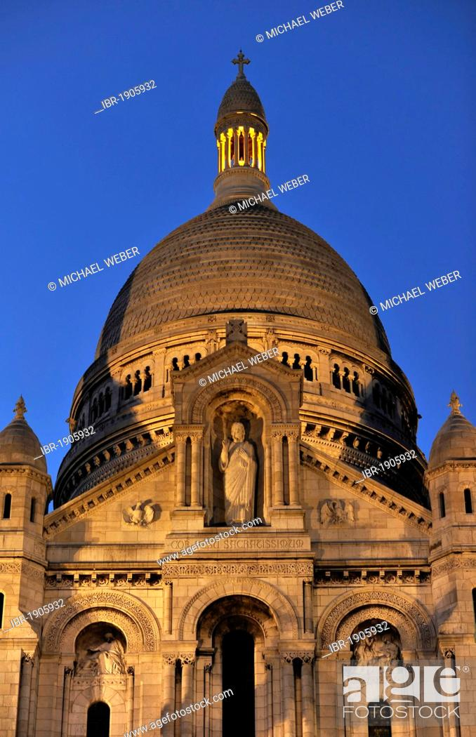 Stock Photo: Night shot, dome of the Basilica of the Sacred Heart, Sacré-Coeur Basilica, Montmartre district, Paris, France, Europe.