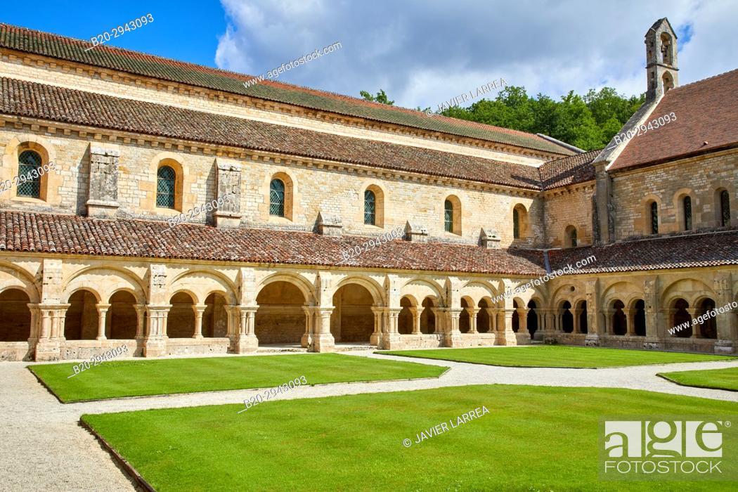 Imagen: Cloister, Abbaye Royale de Notre Dame de Fontenay, Fontenay Cistercian Abbey, Montbard, Côte d'Or, Burgundy Region, Bourgogne, France, Europe.