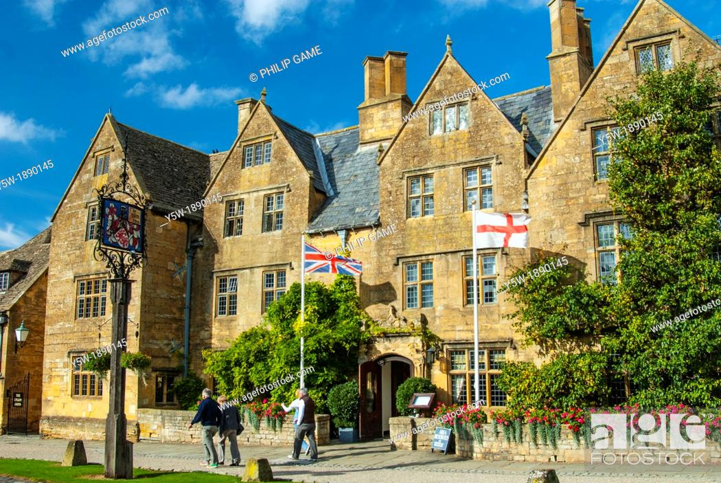 Stock Photo Lygon Arms Hotel At Broadway In The Cotswolds England
