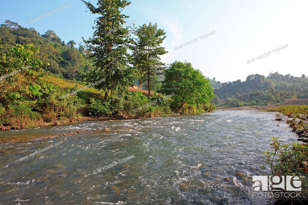 Imagen: Natural view of the Sangu river at Tindu Bandarban, Bangladesh December 2009.