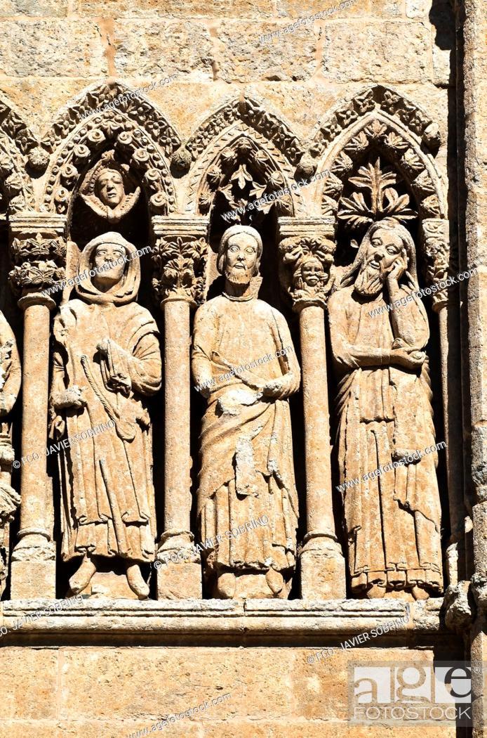 Imagen: Puerta de las Cadenas, de estilo románico en transición al gótico - Personajes del Antiguo Testamento - Catedral de Santa María - Ciudad Rodrigo - Salamanca -.