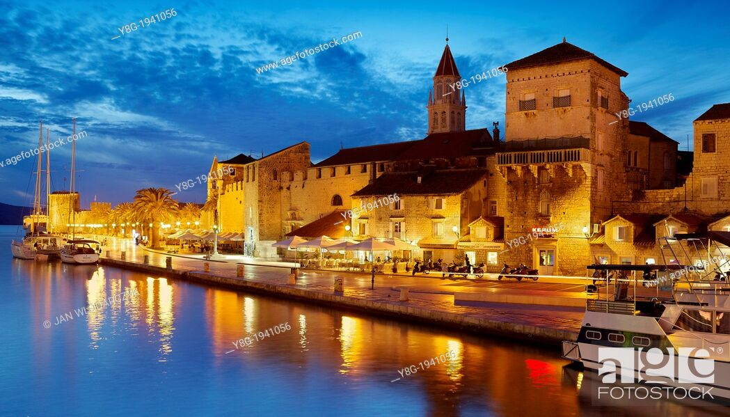 Stock Photo: Croatia - Trogir by night, seafront harbor in the Old Town in Trogir, Dalmatia, Croatia, UNESCO.