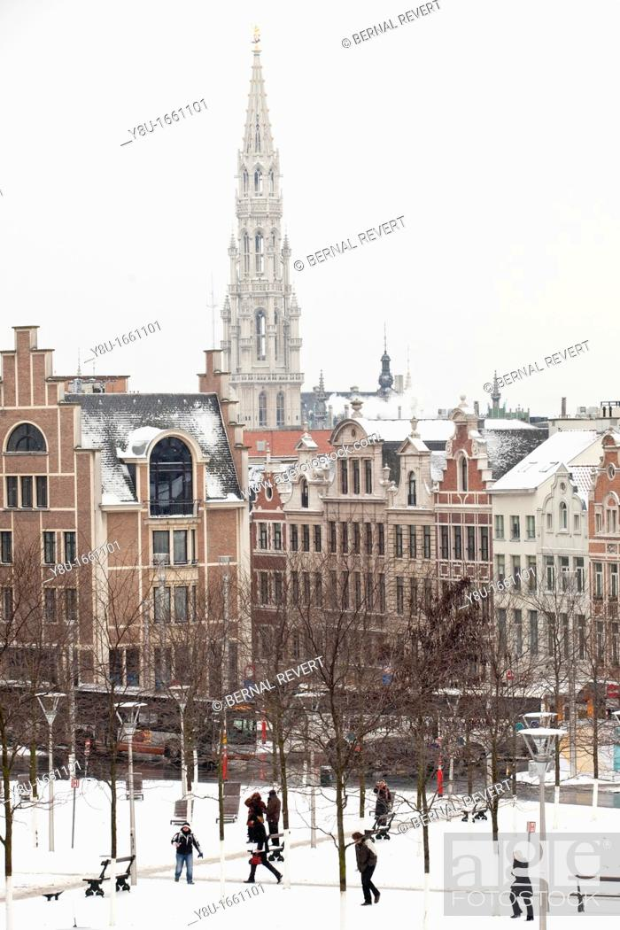 Stock Photo: View of Brussels covered by snow.