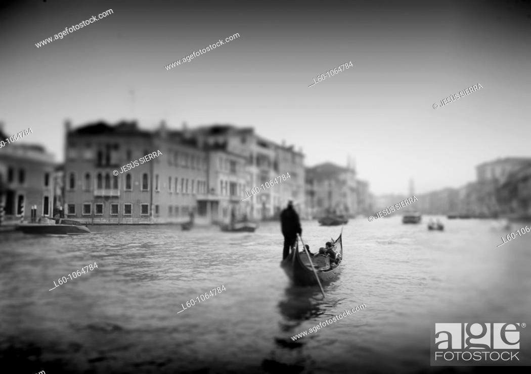 Stock Photo: Romantic gondola, Venice, Italy.