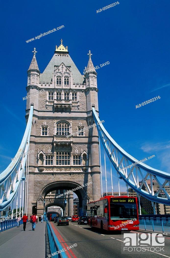 Stock Photo: England - London - The City - Tower Bridge.