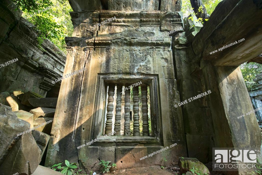 Stock Photo: The hidden jungle temple of Beng Mealea, Siem Reap, Cambodia.