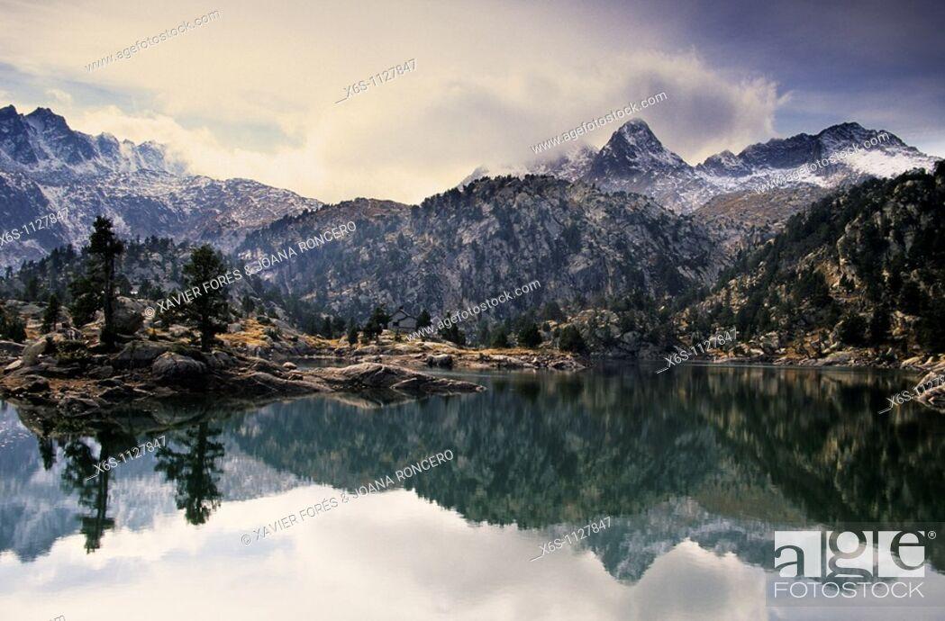Stock Photo: Tort de la Peguera lake, National Park Aigüestortes i Estany de Sant Maurici, Lleida Spain.