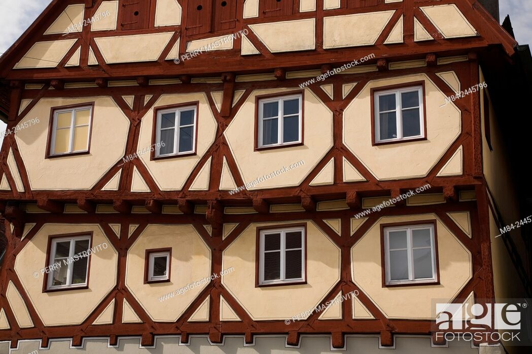 Stock Photo: Half-timbered apartment building in the medieval town of Nordlingen, Bavaria, Germany.
