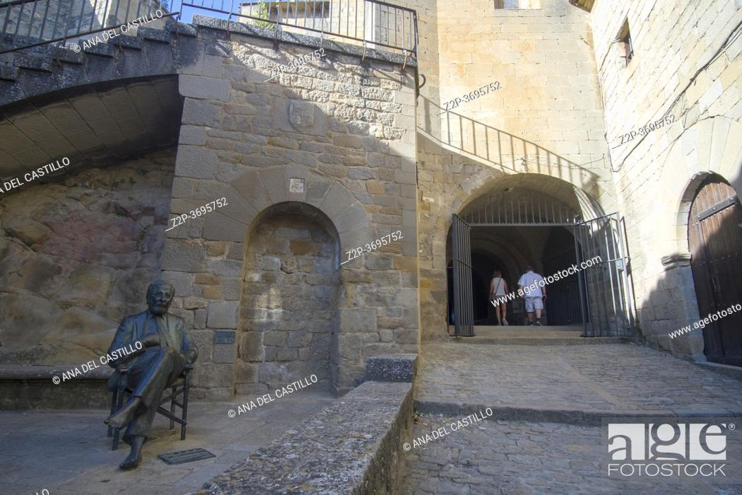 Stock Photo: Sos del Rey Catolico village in Cinco villas Zaragoza province Aragon Spain on August 22, 2020. Berlanga statue at old town.