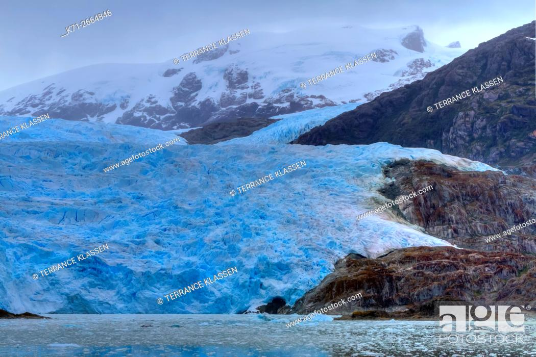 Stock Photo: El Brujo Glacier in Asia Fjord, Southern Patagonia Icefield, Chile, South America.