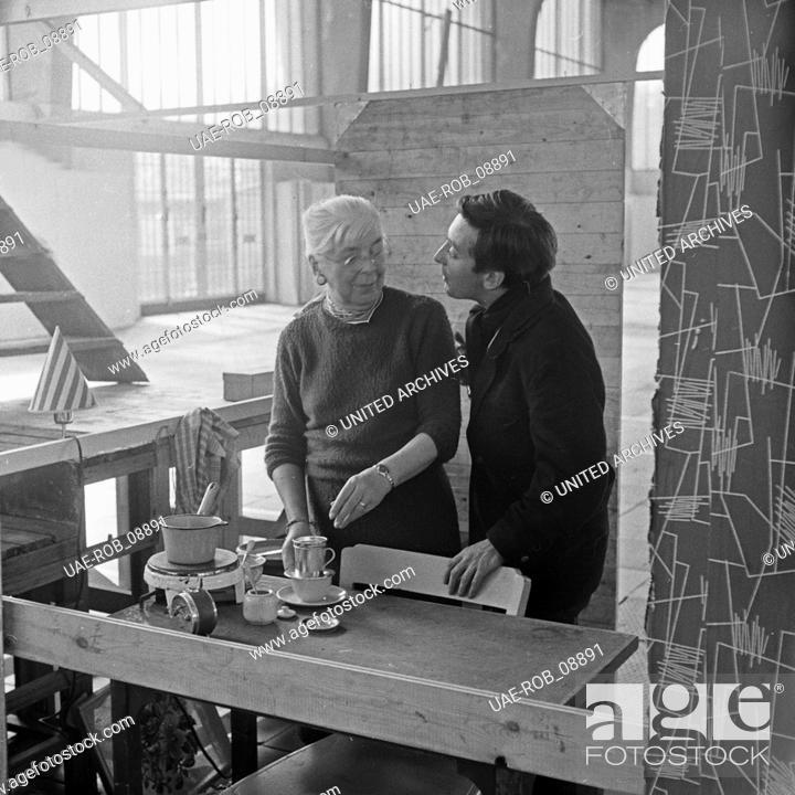 Imagen: Ein Sack voll Kleingeld, Fernsehfilm, Deutschland 1960, Regie: Gerlach Fiedler, Darsteller: Hans Clarin (rechts).