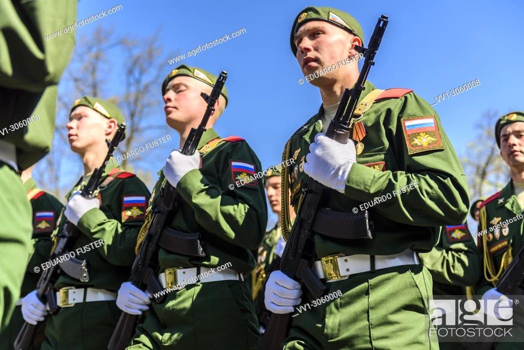 Imagen: St Petersburg, Russia. 9th May, 2018. Russian army in the Victory Day celebrations in St. Petersburg, on May 9, 2018.