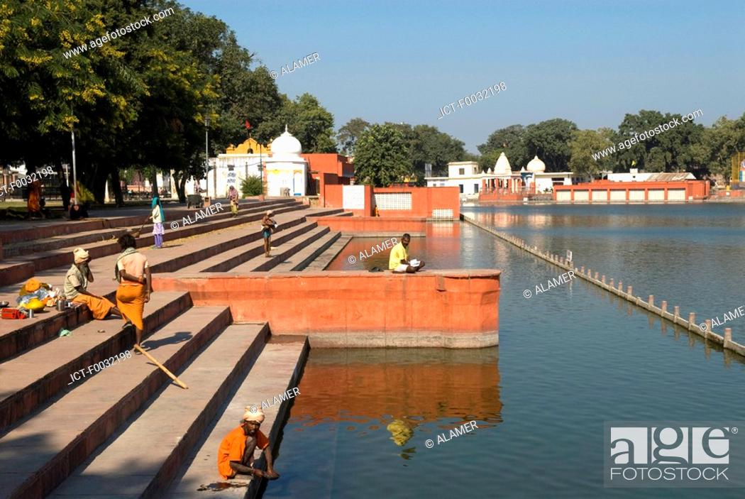 Stock Photo: India, Haryana, Kurukshetra, Sannihit Sarovar.