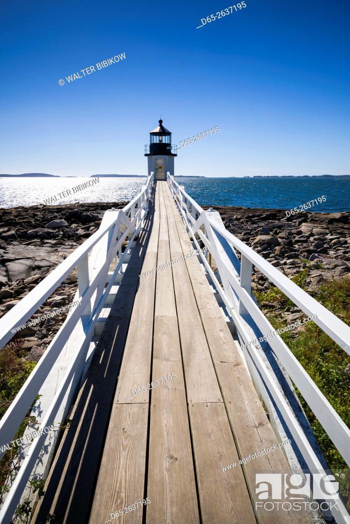 Stock Photo: USA, Maine, Port Clyde, Marshall Point Lighthouse.