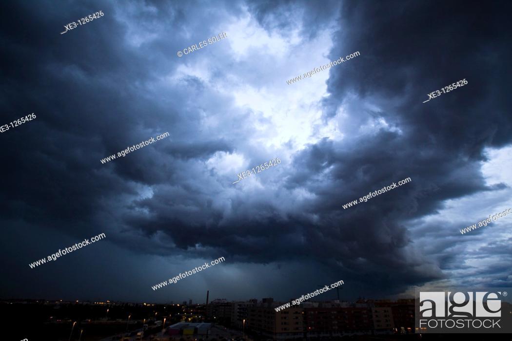 Stock Photo: Nubes de tormenta.