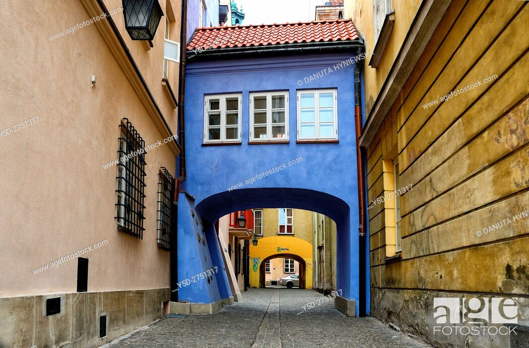 Stock Photo: calm passage between Jezuicka and Brzozowa streets, Old Town of Warsaw, UNESCO World Heritage, Warsaw, Poland, Europe.