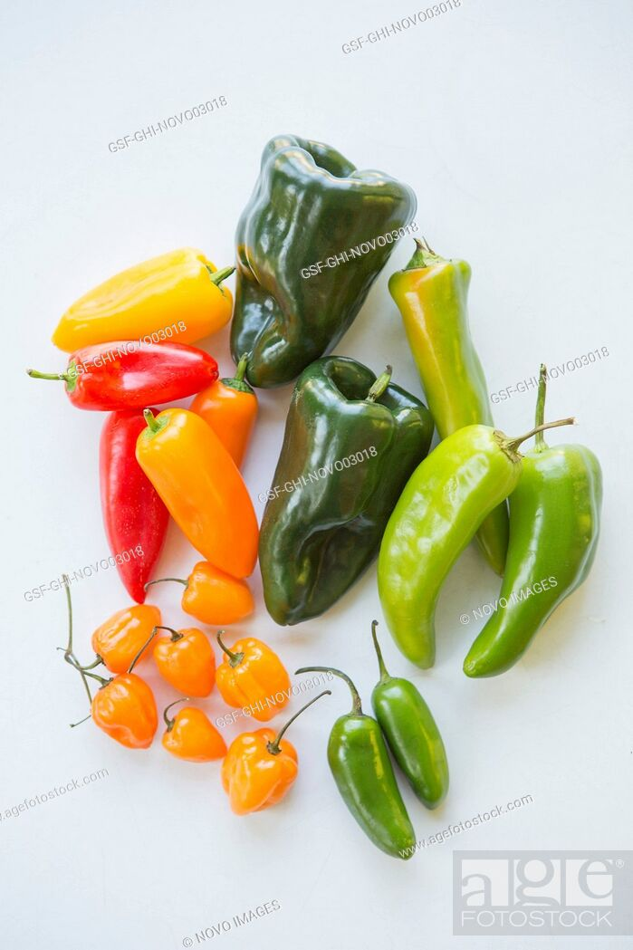 Imagen: Assorted Sweet and Hot Peppers,.