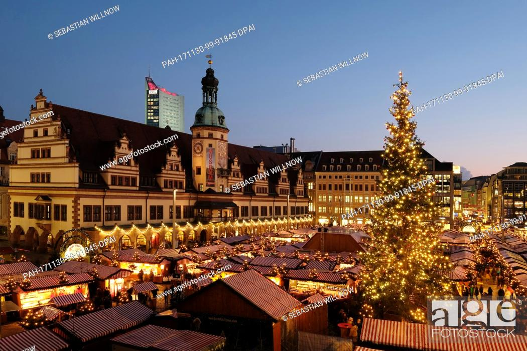 Stock Photo: View of the Christmas market on the market square in Leipzig, Germany, 30 November 2017. Around 300 stands sell seasonal products until 23 December.
