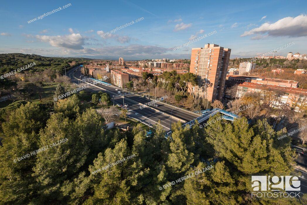 Stock Photo: Madrid cityscape aerial view from casa de campo.