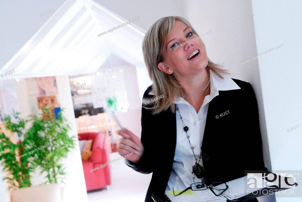 Stock Photo: Businessfrau. - Niederoesterreich, Ísterreich, 10/09/2007.