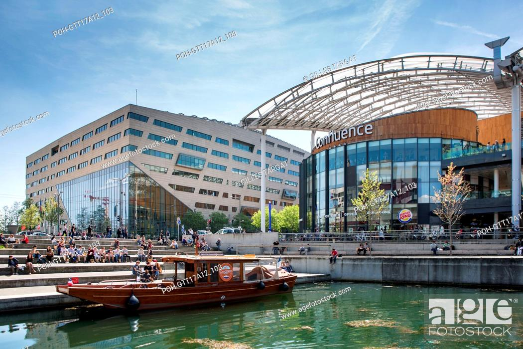 Stock Photo: France, Lyon, Quays of the Saône River, Quartier Confluence, Confluence Mall, marina, harbour, building, shopping center Photo Gilles Targat.