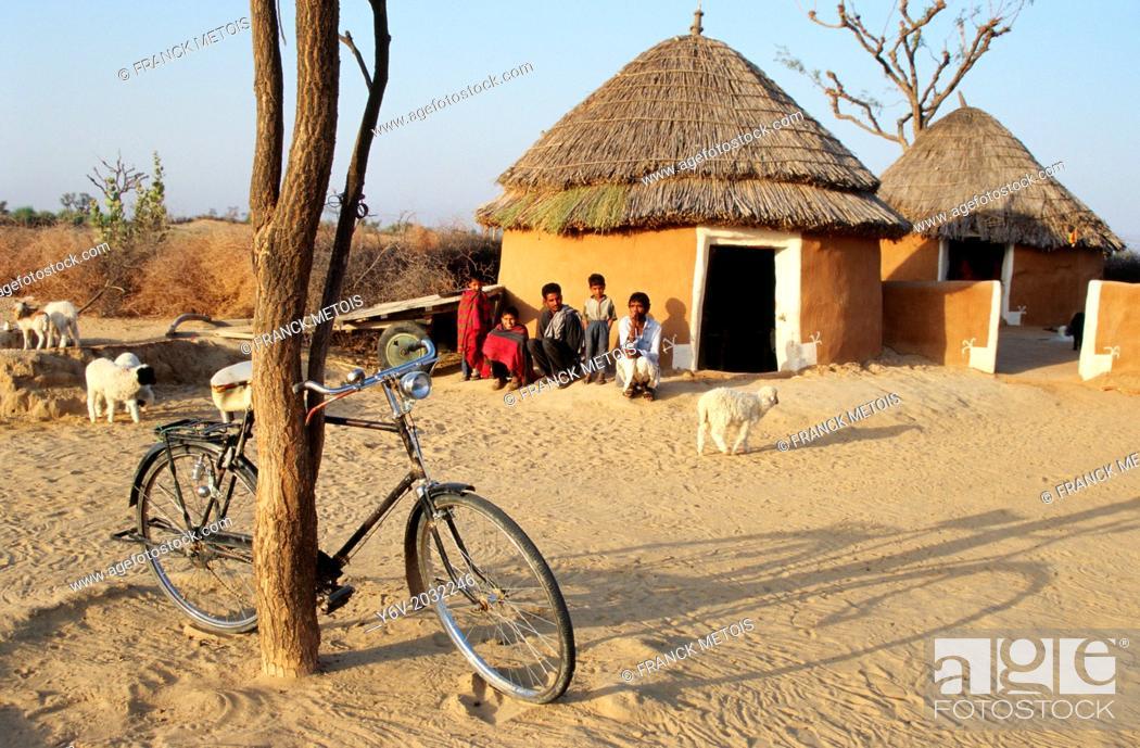 Stock Photo: Farmer house. Thar desert, India.