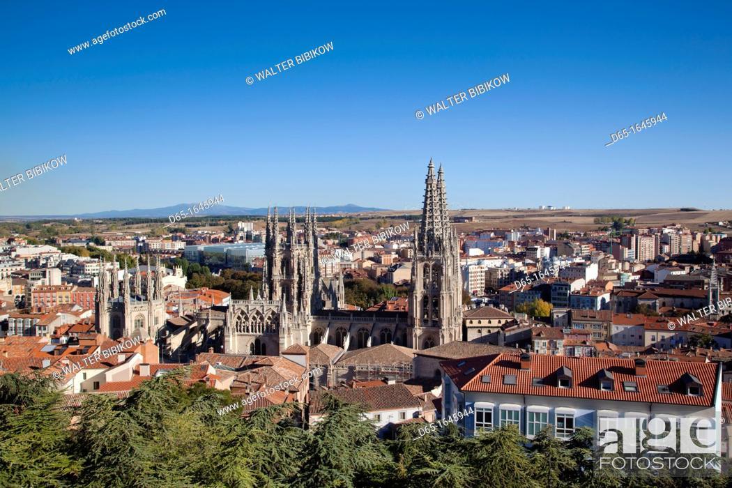 Stock Photo: Spain, Castilla y Leon Region, Burgos Province, Burgos, Burgos Cathedral, elevated view.