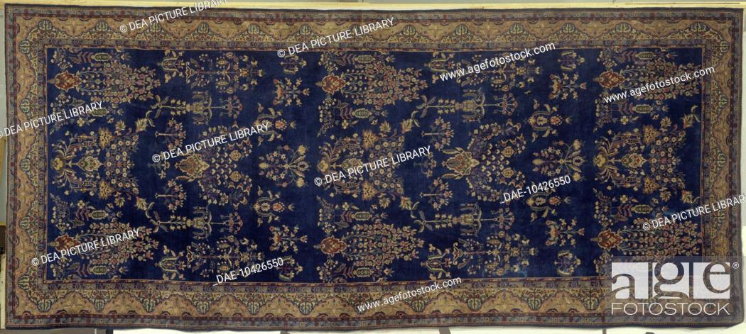 Stock Photo: Rugs and Carpets: India - 19th century. Agra carpet.