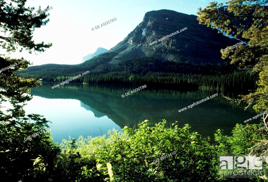 Stock Photo: Lake Josephine, Many Glacier region, Glacier National Park (UNESCO World Heritage List, 1995), Montana, United States of America.