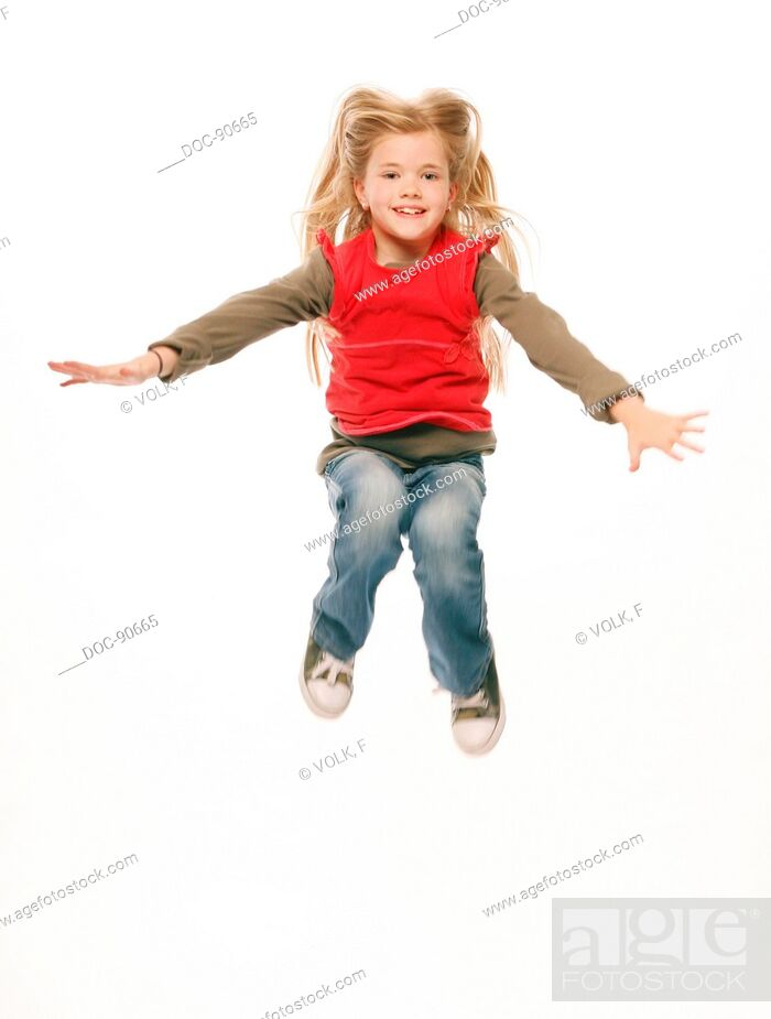 Imagen: Child in the air. Child in different movements.
