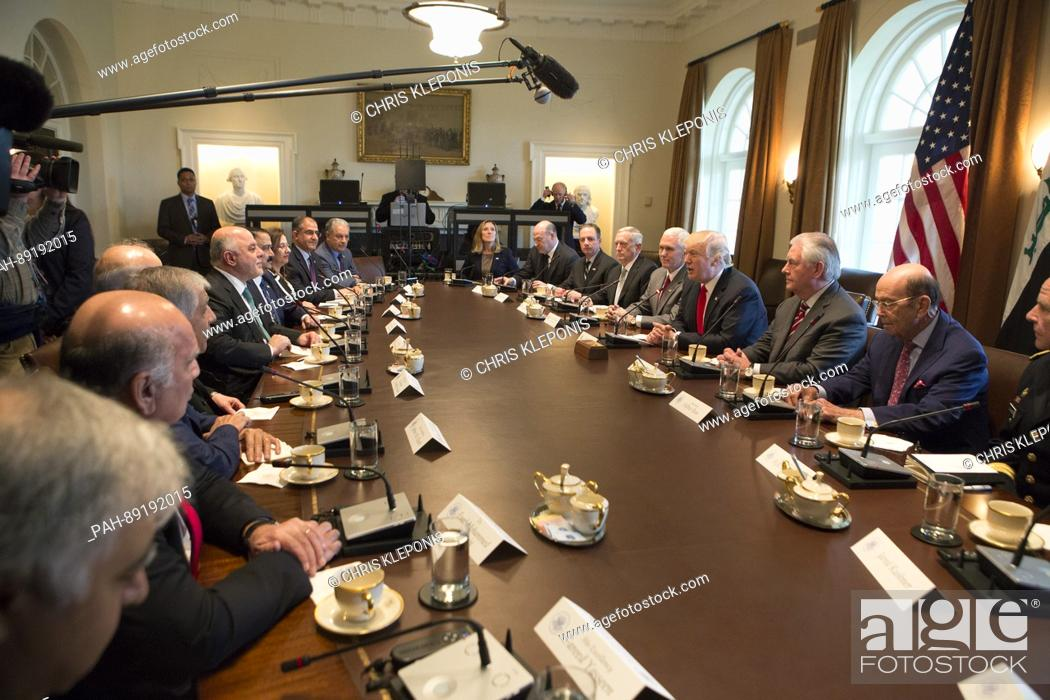 Imagen: United States President Donald J. Trump speaks during a meeting with members of his Cabinet and Prime Minister Haider al-Abadi of Iraq at the White House in.