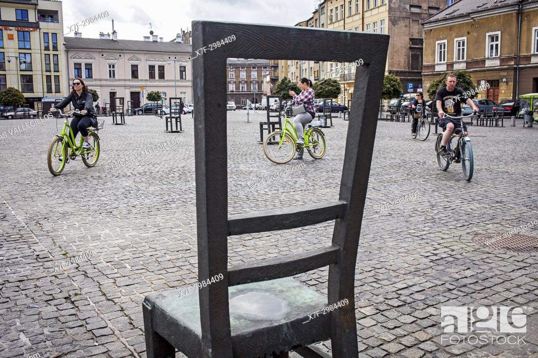 Imagen: Memorial to the heroes of the Krakow ghetto, Krakow, Poland.