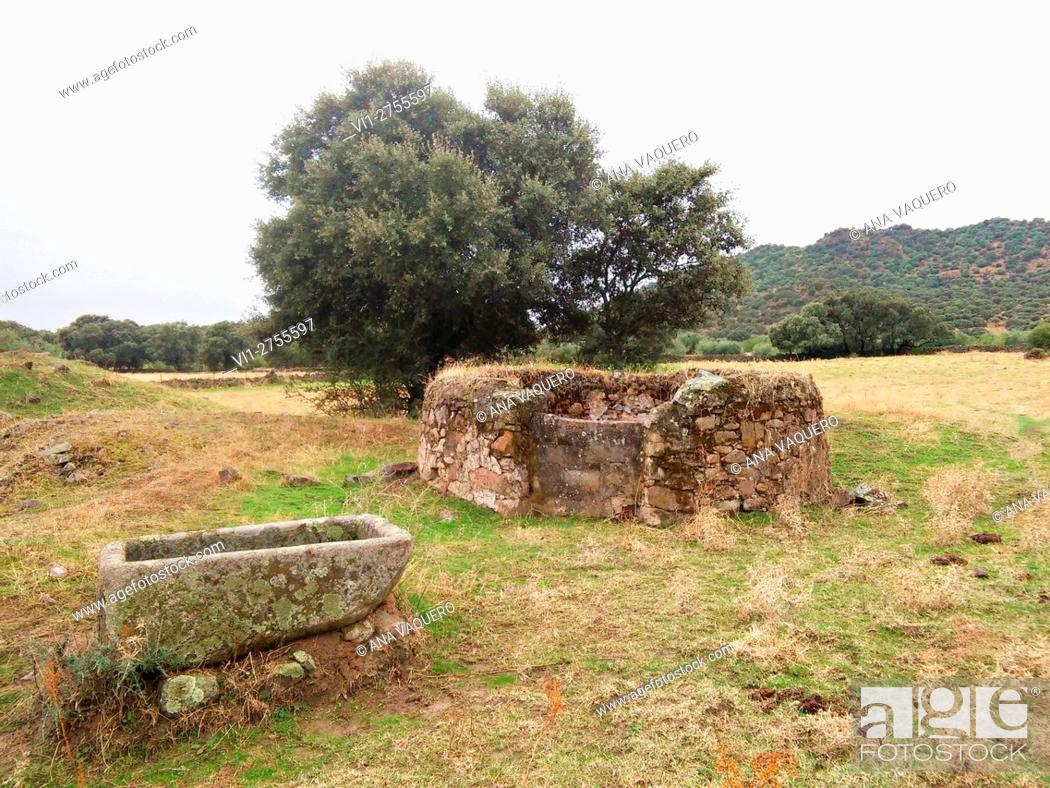Stock Photo: Old well with cattle drinking pile, Almoharín, Cáceres, Extremadura, Spain.