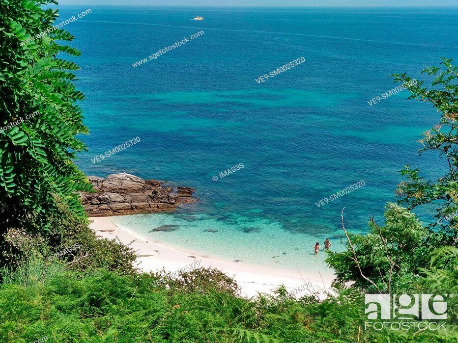 Imagen: Ons island, Islas Atlánticas National Park, Pontevedra province, Galicia, Spain.