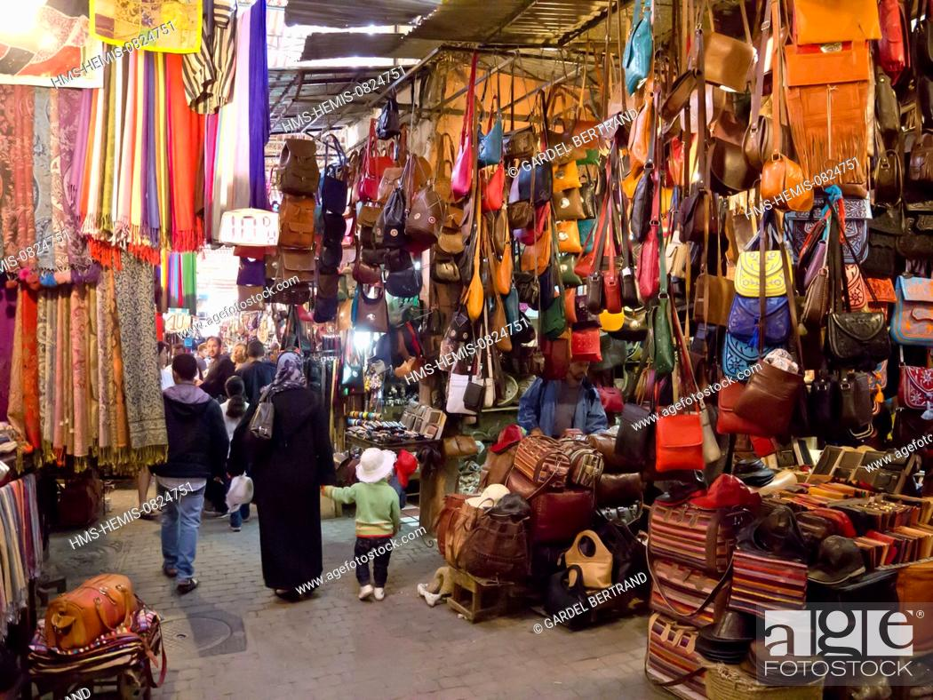 Photo de stock: Morocco, Upper Atlas, Marrakech, imperial city, the medina listed World Heritage by UNESCO, the souks.