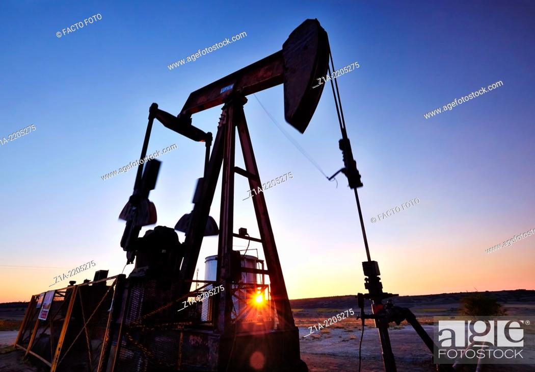 Stock Photo: Oil well at Ayoluengo de la Lora. Sargentes, Burgos, Castile and Leon, Spain.