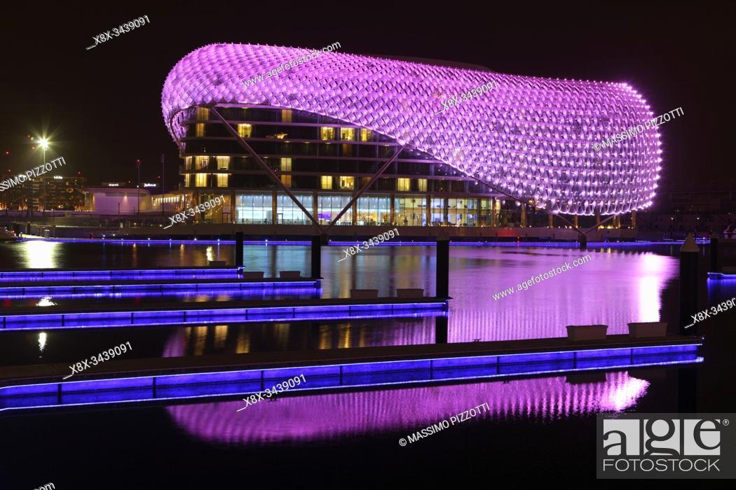 Imagen: Yas Viceroy Hotel, Abu Dhabi, United Arab Emirates.