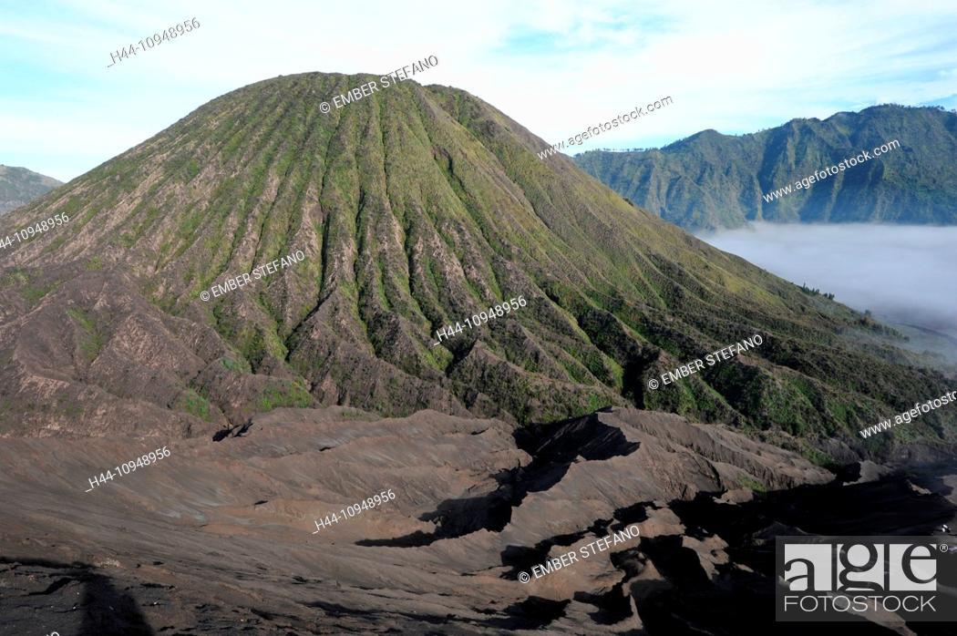 Stock Photo: Asia, Indonesia, Java, Bromo, Batok, Kursi, Bromo Tengger Semeru, Bromo, Tengger, Semeru, national park, volcano, volcanism, volcanical, crater.