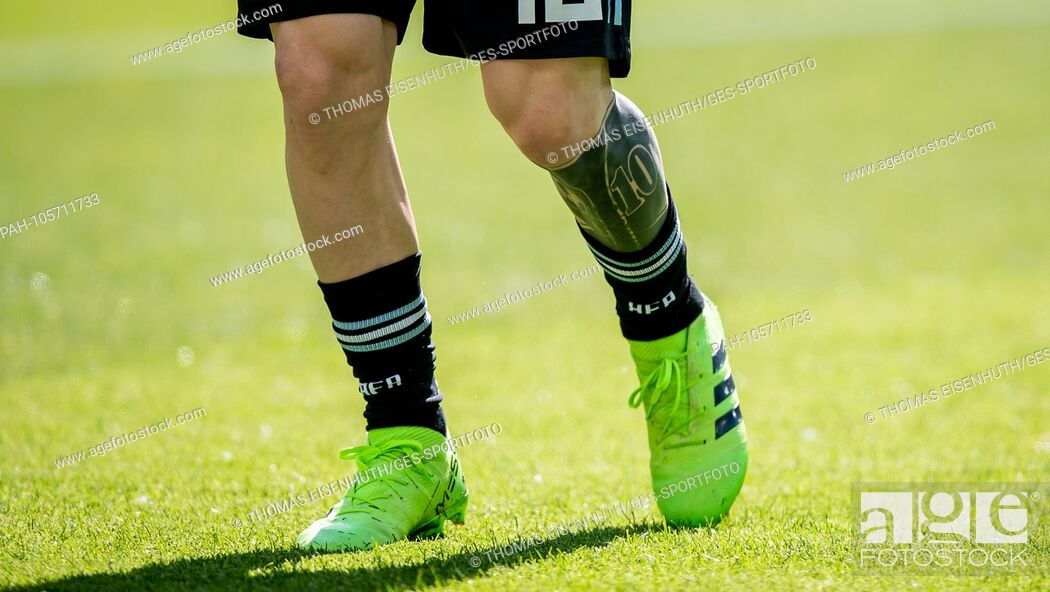 Lionel Messi Argentina With Tattoo On Leg Ges Football