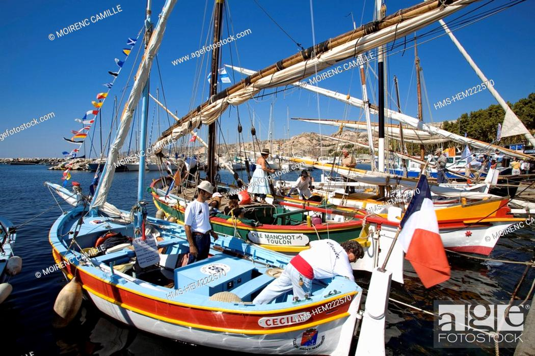 Stock Photo: France, Bouches du Rhone, Marseille, tartane and pointed in the port of l'Estaque for Saint Pierre.