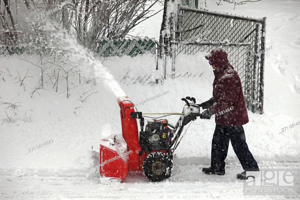 Stock Photo: Cananda, Quebec, Montreal, snow removal, snowstorm, .
