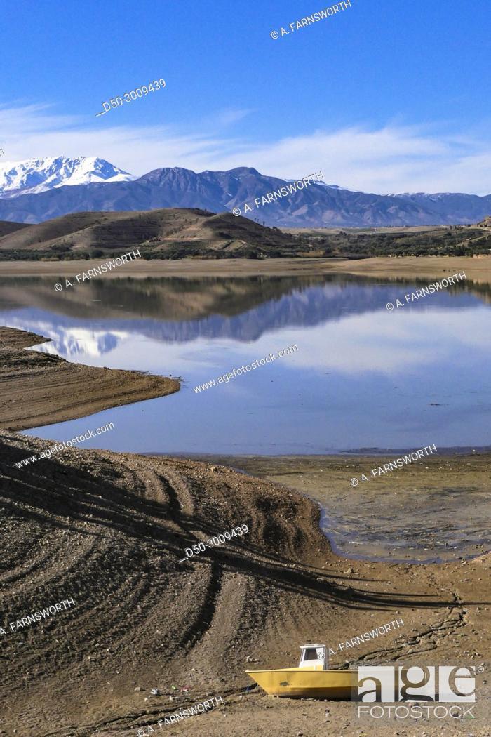 Imagen: MARRAKECH, MOROCCO. Tensift river basin. Lalla Takerkoust. Atlas Mountains.