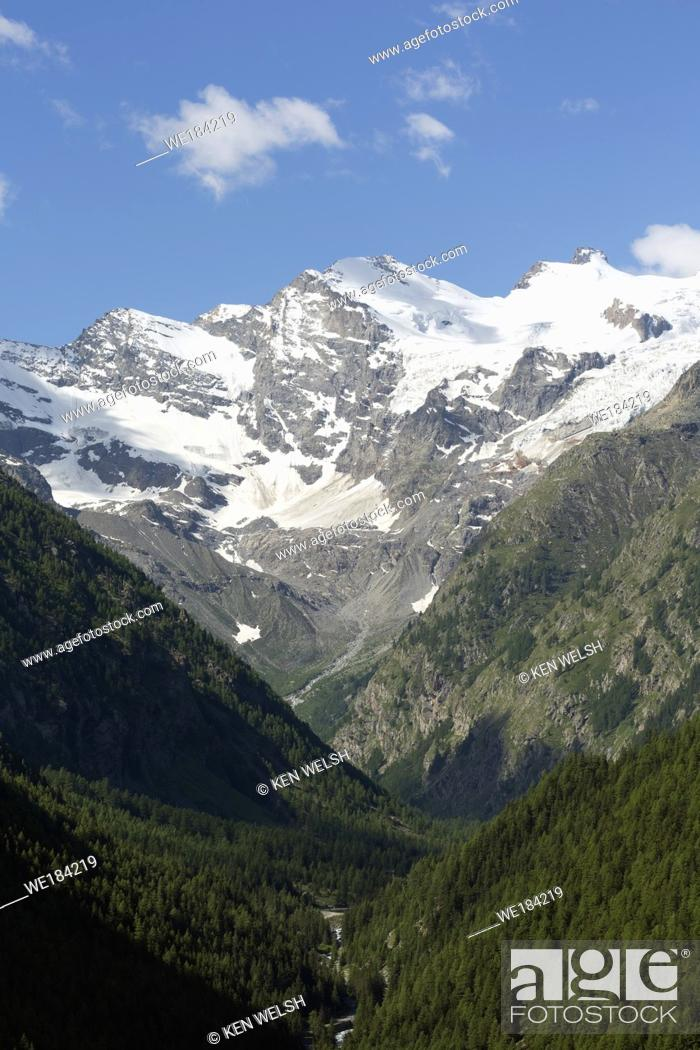 Photo de stock: Parco Nazionale del Gran Paradiso or Gran Paradiso National park. Mountain view from near the town of Cogne.