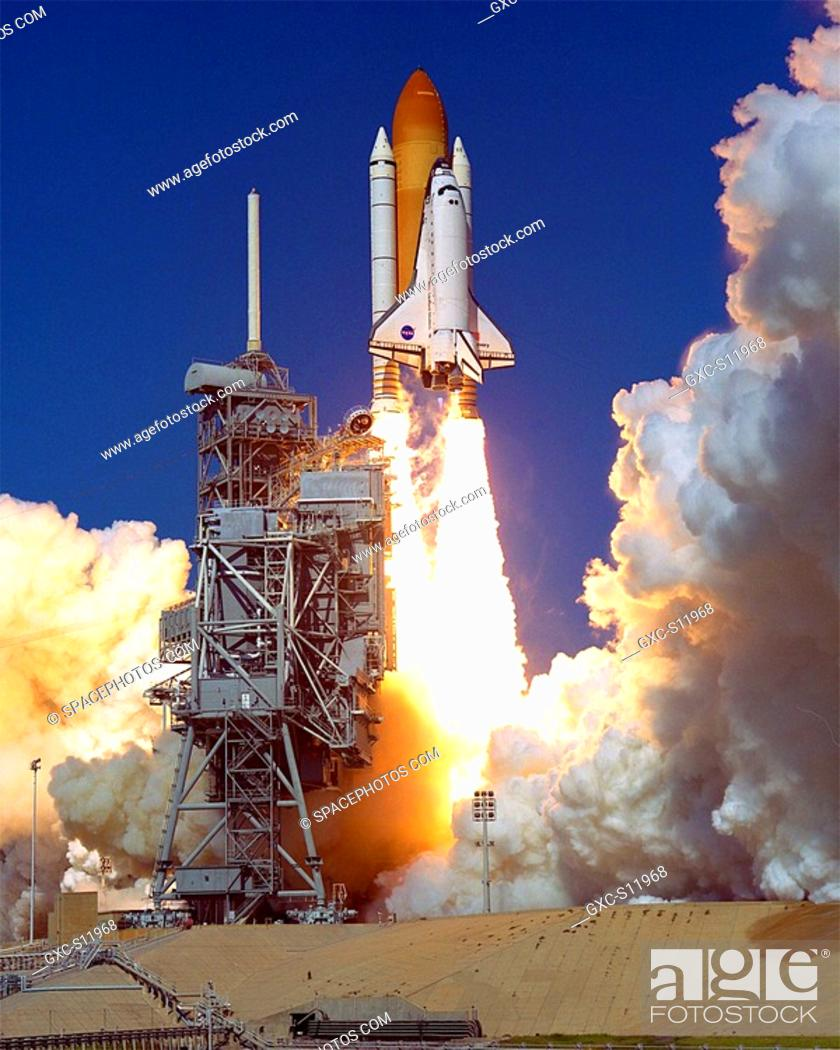 10/29/1998 --- Space Shuttle Discovery clears Launch Pad 39B